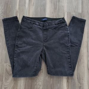 Kaari Blue size 8 pull on skinny jeans faded black